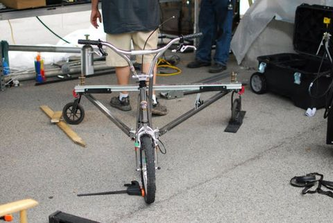 Tire, Wheel, Bicycle tire, Bicycle frame, Bicycle, Bicycle part, Bicycle fork, Bicycle wheel, Bicycle wheel rim, Rim,