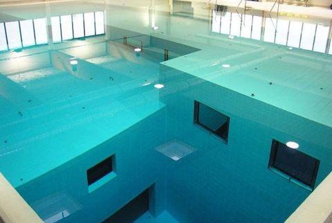 The World S 18 Strangest Pools, Glass Swimming Pool India