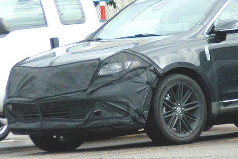 Tire, Wheel, Automotive tire, Automotive design, Vehicle, Land vehicle, Rim, Automotive wheel system, Car, Alloy wheel,