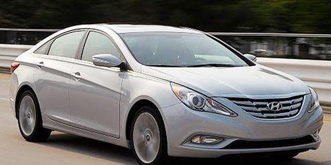 Motor vehicle, Mode of transport, Automotive design, Vehicle, Automotive mirror, Glass, Land vehicle, Automotive lighting, Transport, Headlamp,