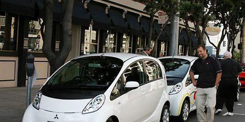 Motor vehicle, Automotive design, Vehicle, Land vehicle, Car, Alloy wheel, Automotive wheel system, Vehicle door, Automotive mirror, City car,