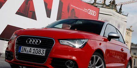 Tire, Motor vehicle, Wheel, Automotive design, Mode of transport, Automotive mirror, Daytime, Vehicle, Land vehicle, Headlamp,