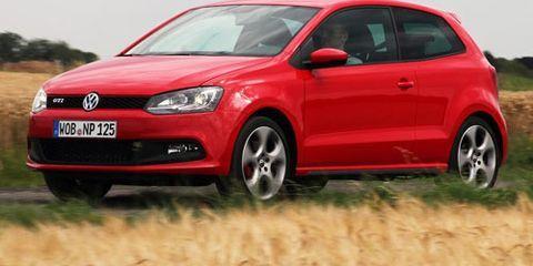 Motor vehicle, Tire, Wheel, Automotive design, Vehicle, Automotive mirror, Land vehicle, Car, Automotive lighting, Alloy wheel,