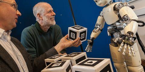 5 Slightly Creepy Human-ish Robots
