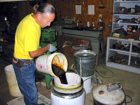 Biodiesel conversion from grease biodiesel homebrew dave hubbard makes biodiesel from restaurant grease for 050 a gallon solutioingenieria Images