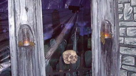 14 projects to make the ultimate diy haunted house for Diy haunted house walls