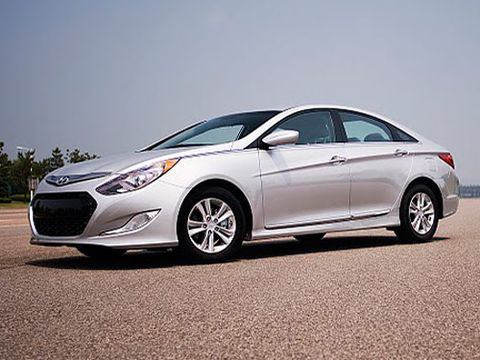 Seoul Republic Of Korea The 2017 Hyundai Sonata Is A Roomy Four Door Family Car That Has Garnered Favorable Reviews Since It Was Revealed Last February