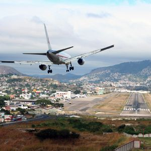Difficult Descent: 4 Tricky Kinds of Airplane Landings