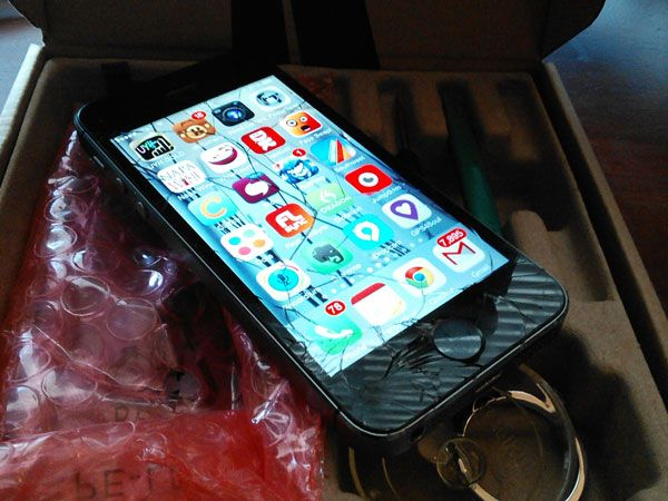 I Fixed My Broken iPhone Screen, and You Should Too