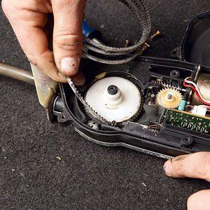 4 steps to fix that pesky car radio antenna rh popularmechanics com Ford Power Antenna Wiring 1993 Firebird Power Antenna Wiring