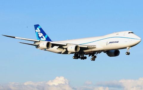 Airplane, Sky, Aircraft, Daytime, Airliner, Air travel, Airline, Wide-body aircraft, Aerospace engineering, Flap,