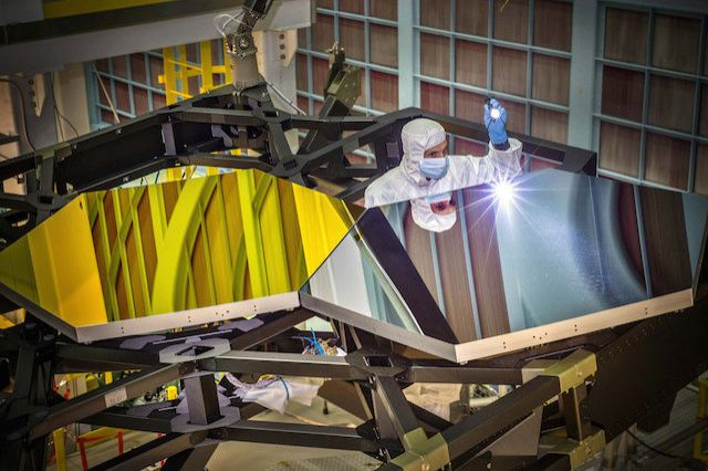 NASA's Next Telescopes Could Use Clouds of Glitter Instead of Giant Mirrors