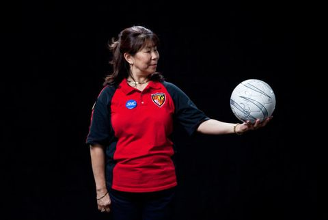 Ball, Sports equipment, Sleeve, Football, Ball, Elbow, Ball game, T-shirt, Playing sports, World,