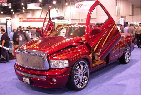 Motor vehicle, Tire, Automotive design, Vehicle, Land vehicle, Grille, Automotive tire, Hood, Fender, Auto show,