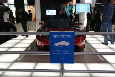 Automotive design, Television set, Display device, Flat panel display, Television, Luxury vehicle, Led-backlit lcd display, Lcd tv, Exhibition, Sign,