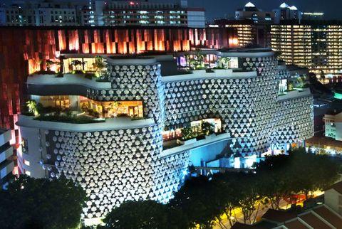 City, Metropolitan area, Metropolis, Facade, Urban area, Commercial building, Building, Landmark, Night, Cityscape,