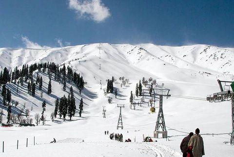Winter, Mountainous landforms, Slope, Snow, Mountain, Mountain range, Terrain, Hill station, Hill, Glacial landform,