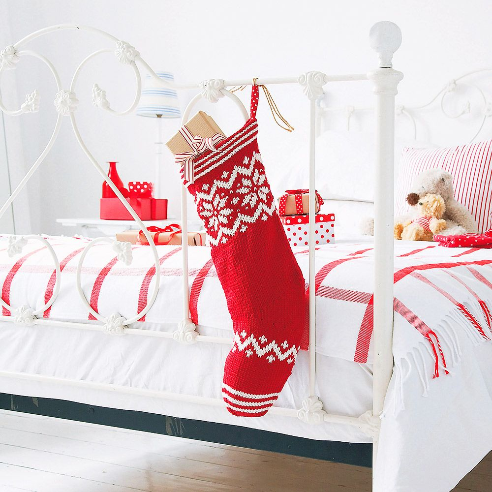 Knit Your Own Christmas Stocking With This Free Knitting Pattern ...