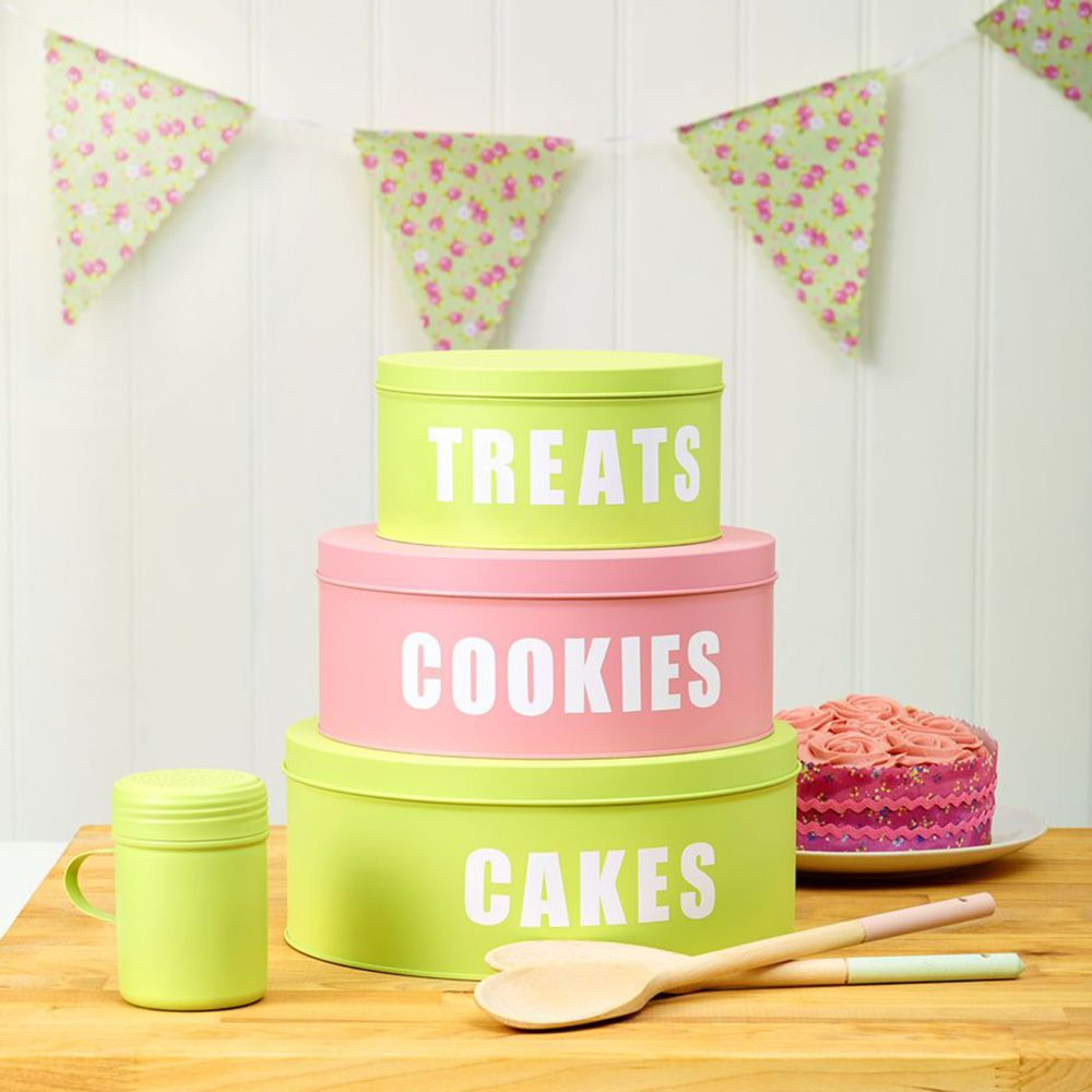 Biscuit Tins Into Pretty Cake Storage