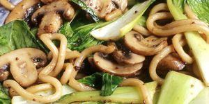 Noodles with pak choi and mushrooms