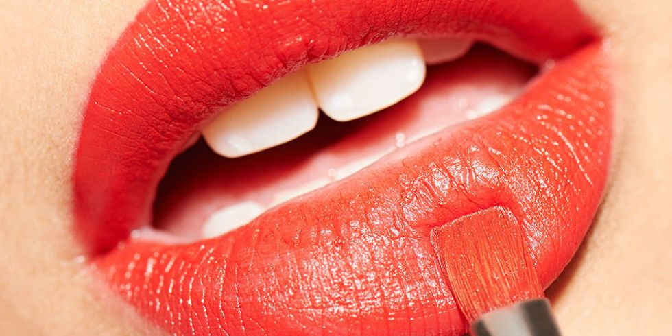 Expert Make Up Tips How To Stop Lipstick Bleeding