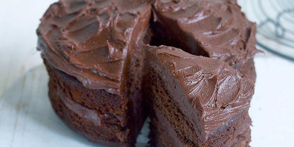 Easy Chocolate Fudge Cake Recipe: Chocolate Fudge Cake: Easy And Delicious Recipe