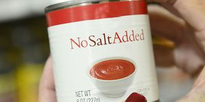 'No salt added' label on can