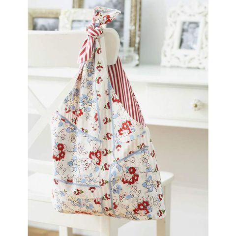 Upcycled fabric bag to sew