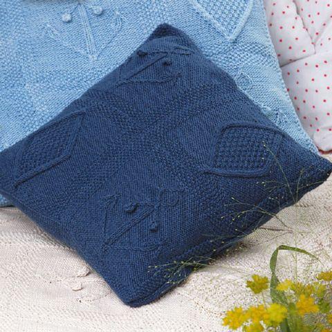 Nautical cushions to knit