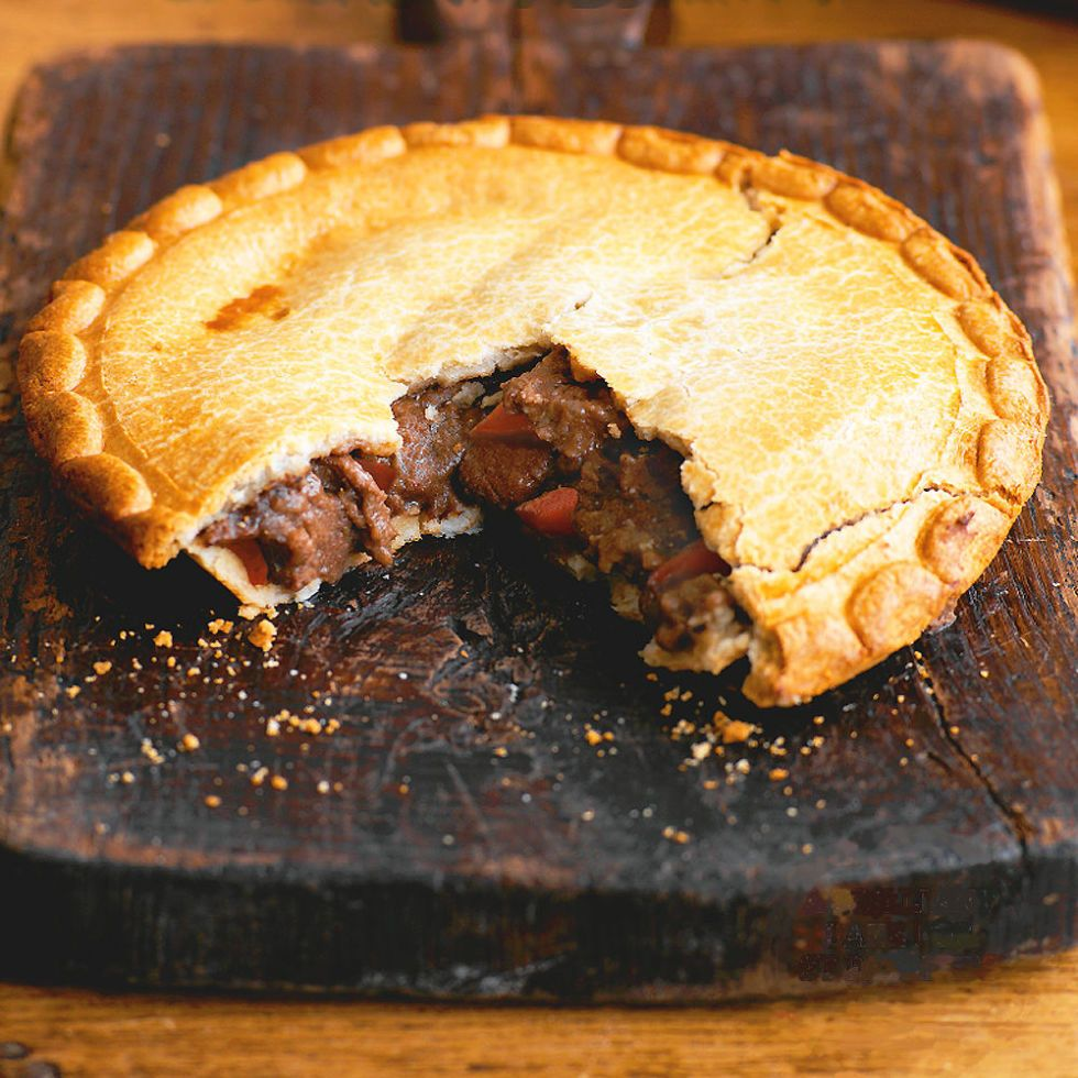 Recipe for steak pie with shortcrust pastry