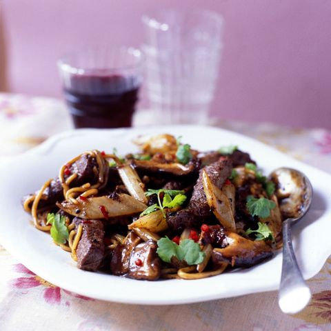 Beef with onion and noodles