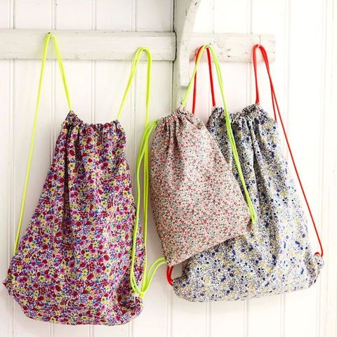 Sew Yourself A Pretty CarryAll Free Drawstring Bag Pattern Awesome Drawstring Bag Pattern