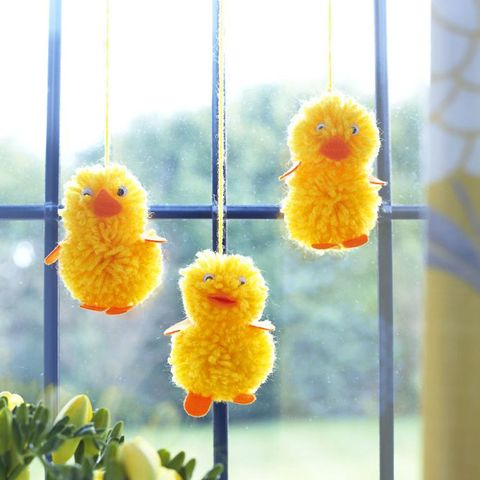 How To Make Easter Chicks From Pompoms