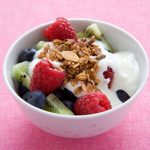 fruit and yoghurt parfait