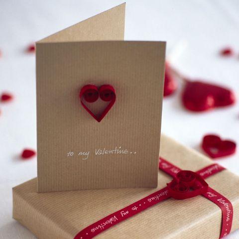 Quilled paper heart Valentine card