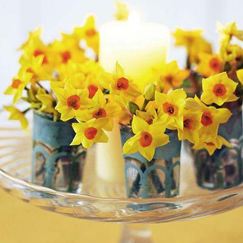Daffodil table centrepiece arrangement