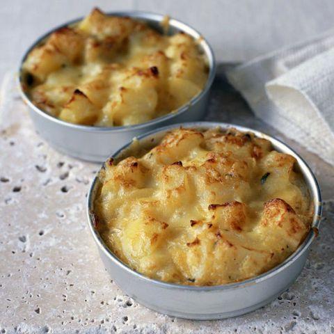 Cheesy potato bakes