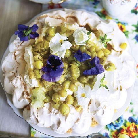 Gooseberry and elderflower pavlova