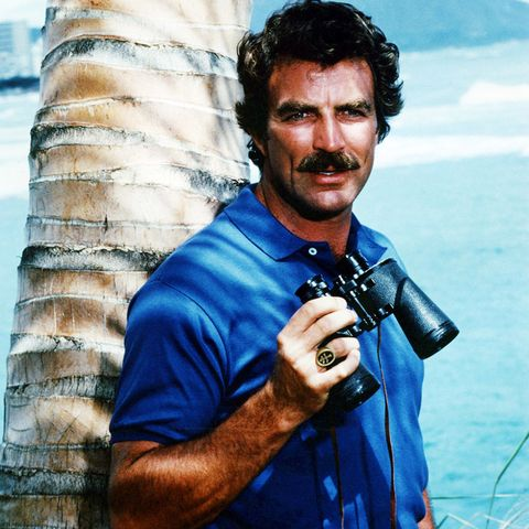American actor Tom Selleck as he appears in the TV series 'Magnum P.I.', circa 1985. (Photo by Silver Screen Collection/Getty Images)