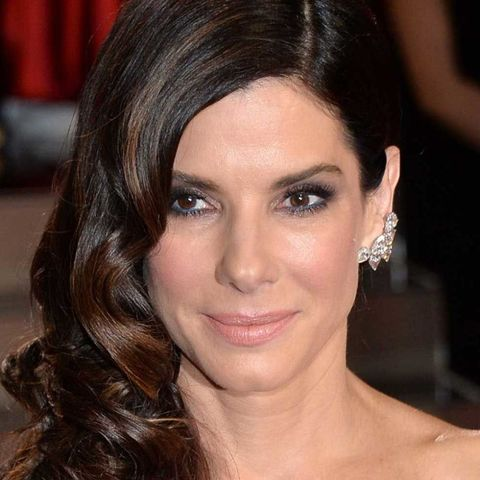 Sandra Bullock with hairstyle for thin hair