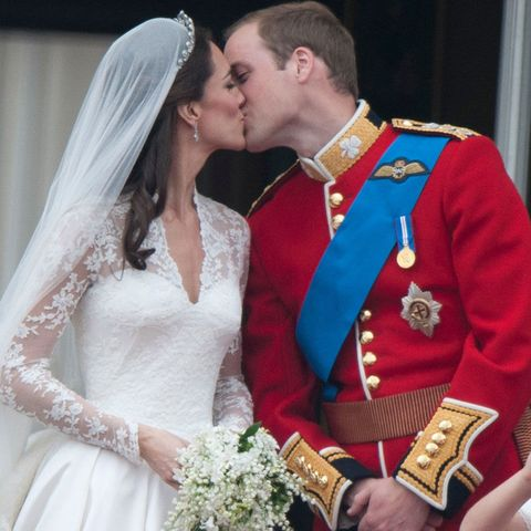 Will and Kate Royal Wedding kiss
