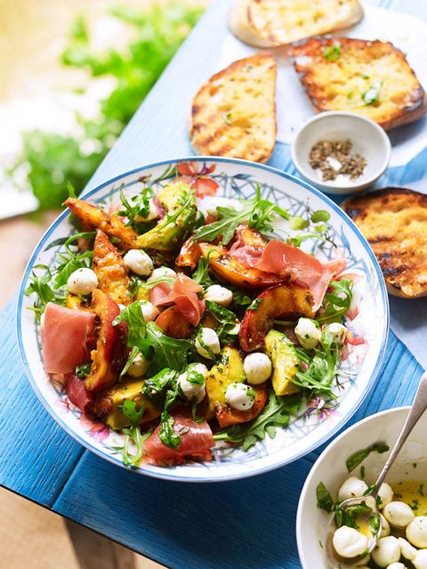 Avocado salad with nectarines and mozarella