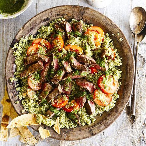 Quinoa steak salad
