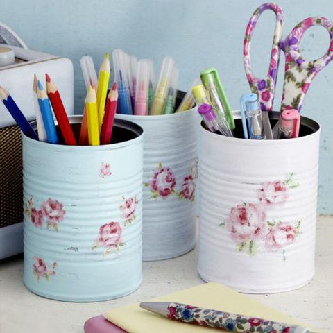 Floral desk tidy