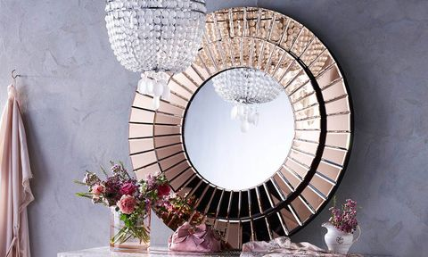 Mirror on dressing table with chandelier