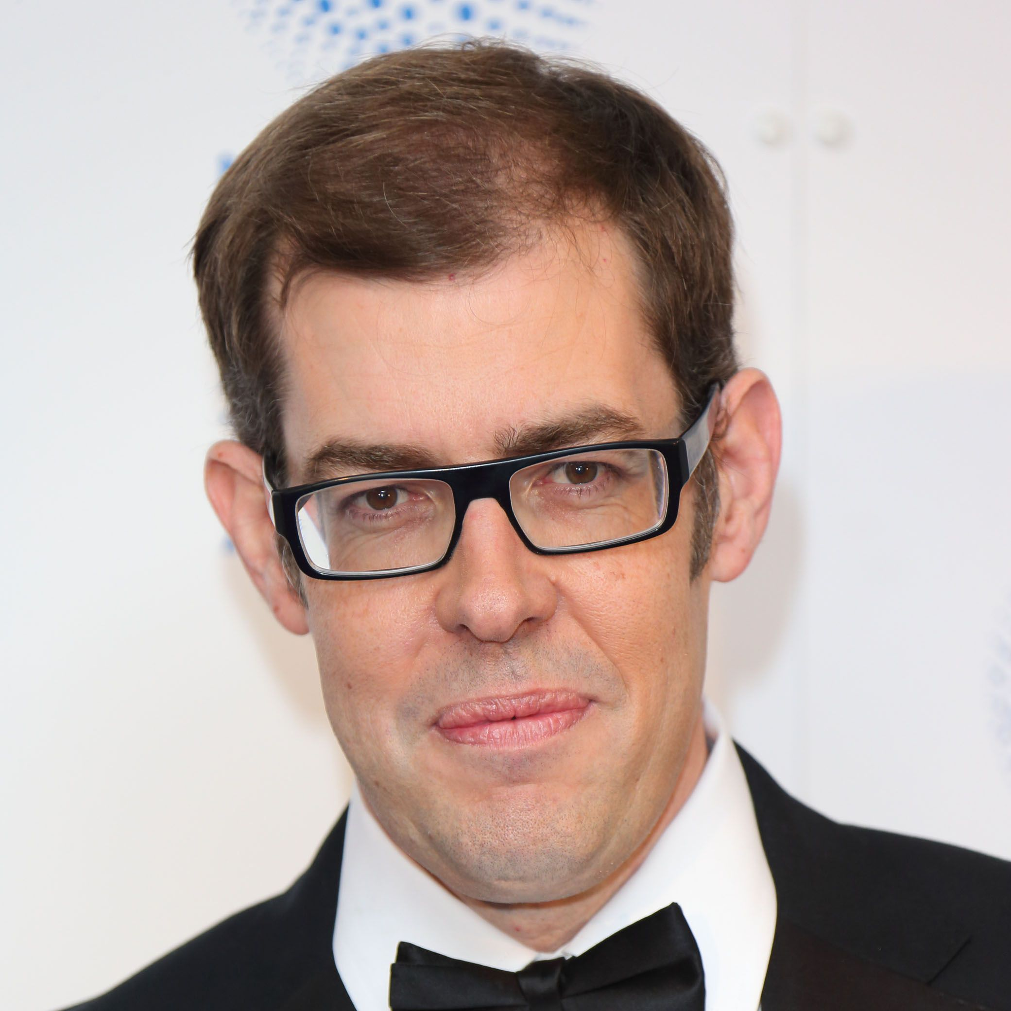 LONDON, ENGLAND - JANUARY 23: Richard Osman poses in the winners room at the National Television Awards at 02 Arena on January 23, 2013 in London, England.  (Photo by Mike Marsland/WireImage)