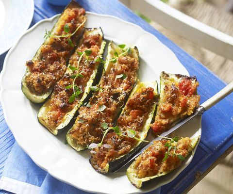 Stuffed courgette with tomatoes