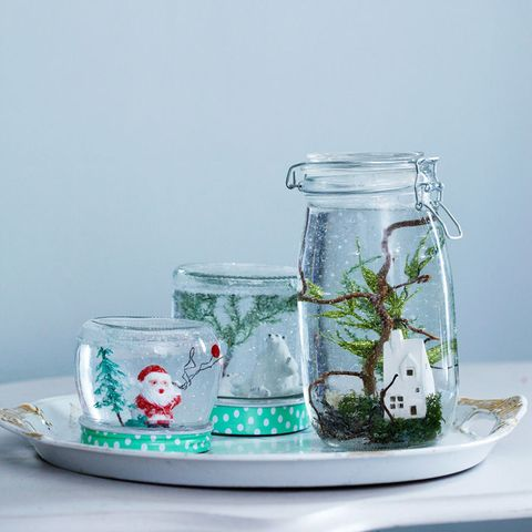 DIY gifts:How to make a snow globe