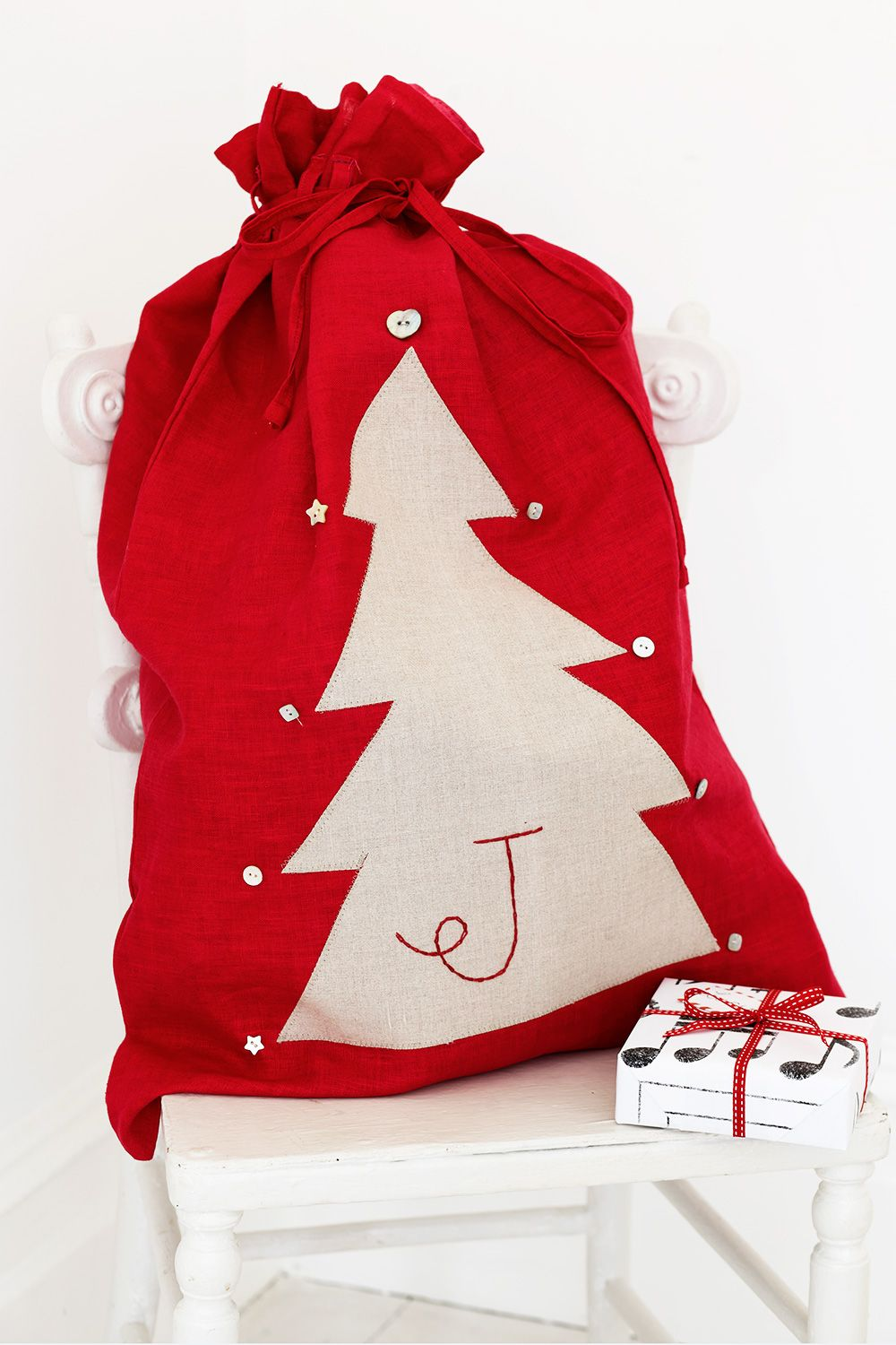 How to sew personalised Christmas sacks