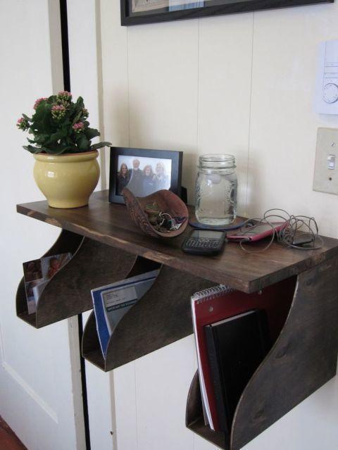 Flowerpot, Table, Interior design, Serveware, Picture frame, Houseplant, Drinkware, Display device, Vase, Writing desk,